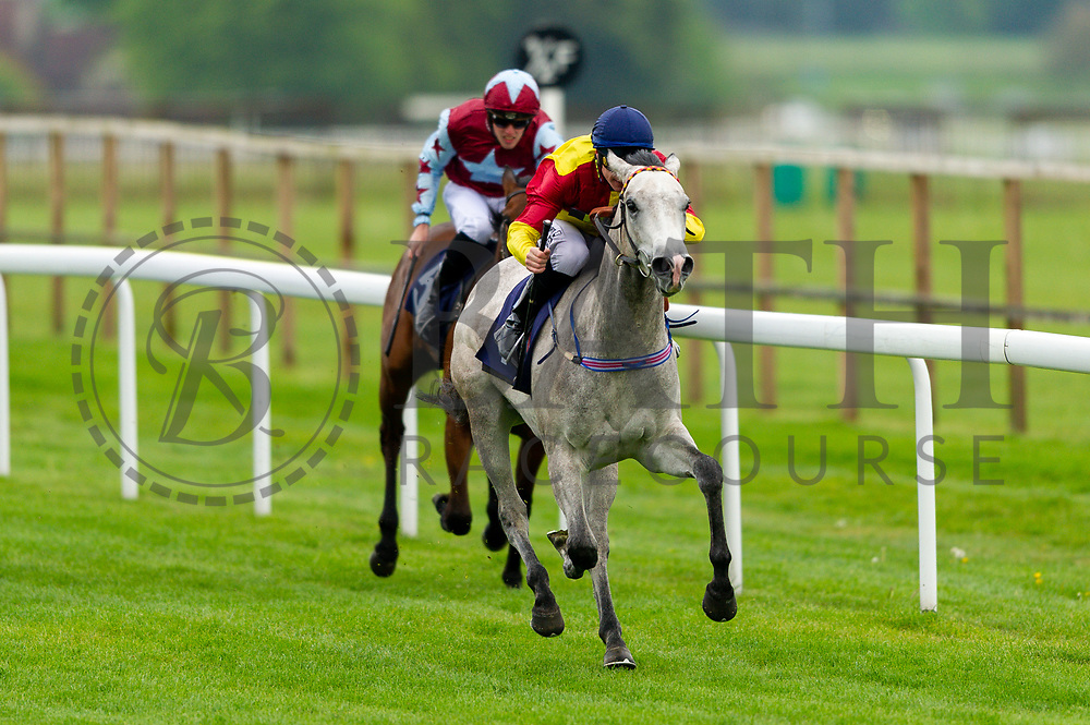 """Silver Start ridden by Richard Kingscote and trained by Charles in the Let's Play """"Four From The Top"""" / British Ebf Novice Median Auction Stakes race.  - Mandatory by-line: Ryan Hiscott/JMP - 01/05/2019 - HORSE RACING - Bath Racecourse - Bath, England - Wednesday 1 May 2019 Race Meeting"""