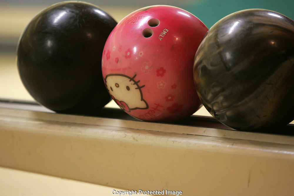 A Hello Kitty bowing ball at Grove City Lanes.(Jodi Miller/Alive)