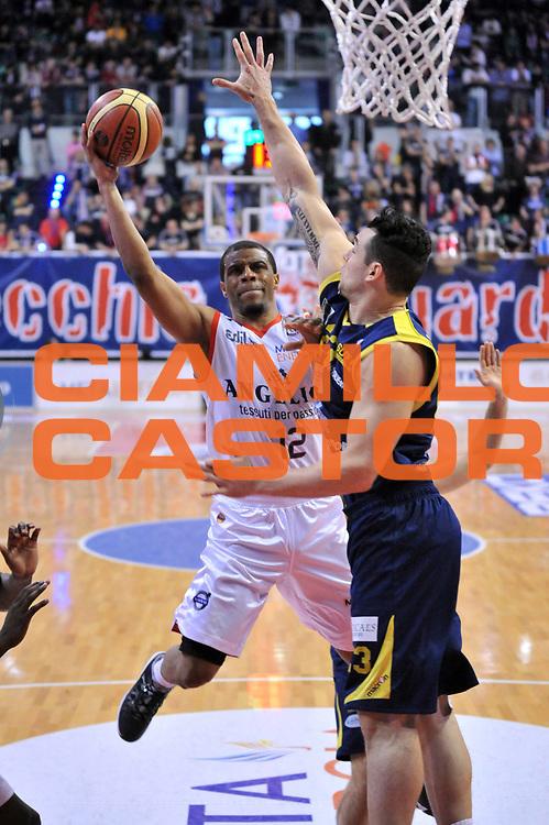 DESCRIZIONE : Biella Lega A 2012-13 Angelico Biella Sutor Montegranaro<br /> GIOCATORE : Trey Johnson<br /> CATEGORIA : Penetrazione<br /> SQUADRA : Angelico Biella <br /> EVENTO : Campionato Lega A 2012-2013 <br /> GARA : Angelico Biella Sutor Montegranaro<br /> DATA : 01/04/2013<br /> SPORT : Pallacanestro <br /> AUTORE : Agenzia Ciamillo-Castoria/S.Ceretti<br /> Galleria : Lega Basket A 2012-2013  <br /> Fotonotizia : Biella Lega A 2012-13 Angelico Biella Sutor Montegranaro<br /> Predefinita :