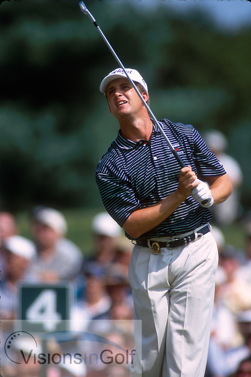 David Toms hits tee shot on #4.<br />