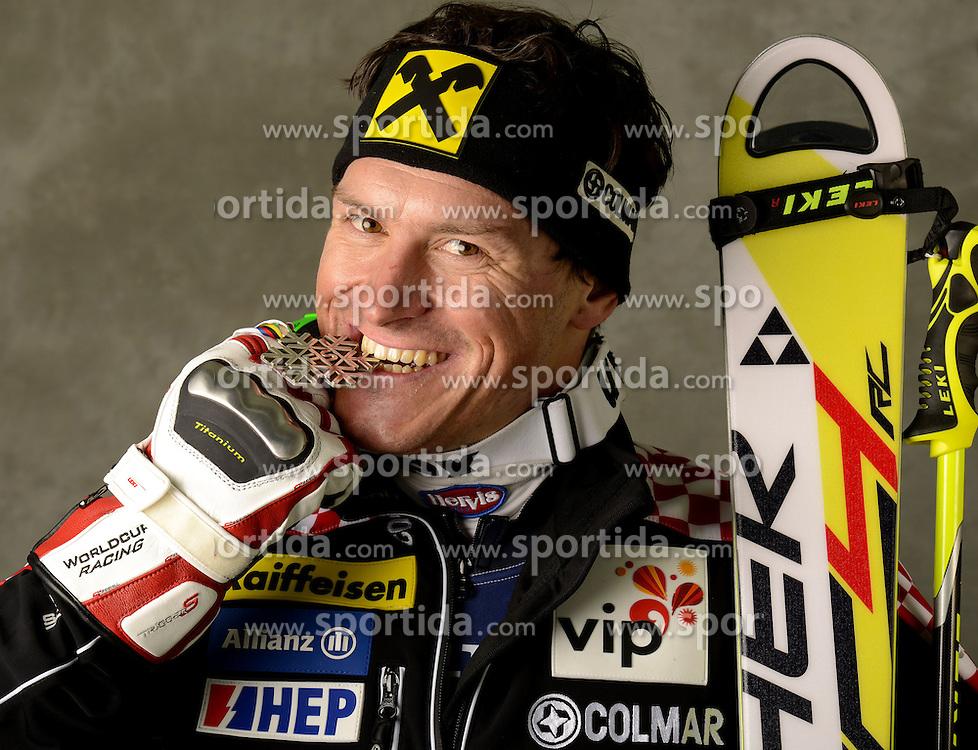13.02.2013, Planai, Schladming, AUT, FIS Weltmeisterschaften Ski Alpin, Super Kombination, Herren, Medaillen Praesentation, im Bild Ivica Kostelic (CRO) Silbermedaillen Gewinner // Ivica Kostelic of Croatia poses with his Sliver Medal during Mens Super Combined Medal Presentation at the FIS Ski World Championships 2013 at the Planai Course, Schladming, Austria on 2013/02/13 ***** ACHTUNG: VERÖFFENTLICHUNGS- SPERRFRIST 18:30 Uhr ***** Bild bei redaktioneller Verwendung honorarfrei // ***** PLEASE NOTE: Publication EMBARGO 18:30 clock *****. EXPA Pictures © 2013, PhotoCredit: EXPA/ Erich Spiess
