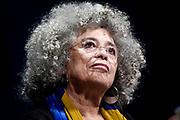 20190322/ Javier Calvelo - adhocFOTOS/ URUGUAY/ MONTEVIDEO/  TEATRO SOL&Iacute;S/ Angela Davis brinda una conferencia magistral en el teatro Sol&iacute;s.<br /> donde recibio adem&aacute;s el reconocimiento de Visitante Ilustre que brinda la Intendencia de Montevideo. Angela Davis, nacida en 1944 en Birmingham, Estados Unidos, es una activista feminista antirracista, mundialmente reconocida por su trayectoria acad&eacute;mica y militante.<br /> En la foto:  Angela Davis durante su conferencia magistral en el Teatro Sol&iacute;s de Montevideo. Foto: Javier Calvelo /  adhocFOTOS