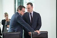 18 JUL 2018, BERLIN/GERMANY:<br /> Andreas Scheuer (L), CSU, Bundesverkehrsminister, und Jens Spahn (R), CDU, Bundesgesundheitsminister, im Gespraech, vor Beginn der Kabinettsitzung, Bundeskanzleramt<br /> IMAGE: 20180718-01-012<br /> KEYWORDS: Kabinett, Sitzung, Gespr&auml;ch