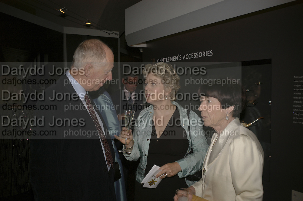 Lord Jacob rothschild, Anna Somers Cocks and Lady Rothschild. Opening of Bejewelled by Tiffany, 1837-1987. Gilbert Collection, Somerset House.  21 June 2006. ONE TIME USE ONLY - DO NOT ARCHIVE  © Copyright Photograph by Dafydd Jones 66 Stockwell Park Rd. London SW9 0DA Tel 020 7733 0108 www.dafjones.com