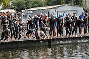 BN´ers zwemmen mee met Amsterdam City Swim<br /> De derde Amsterdam City Swim heeft zondag een recordbedrag opgeleverd aan donaties: ruim 1,9 miljoen euro.Het geld is voor onderzoek naar de ongeneeslijke spierziekte ALS.<br /> <br /> Op de Foto: <br /> <br />  o.a. Mariska Hulscher , Jan Joost van Gangelen , Viggo Waas , Peter Heerschop , Lobke Berkhout , Mark Tuitert , Beau van Erven Dorens en Pieter van den Hoogenband