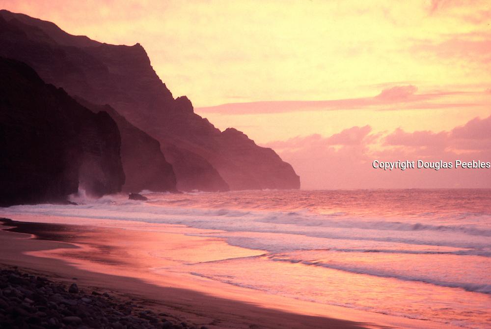 Sunset, Kalalau Beach, Napali Coast, Kauai, Hawaii<br />