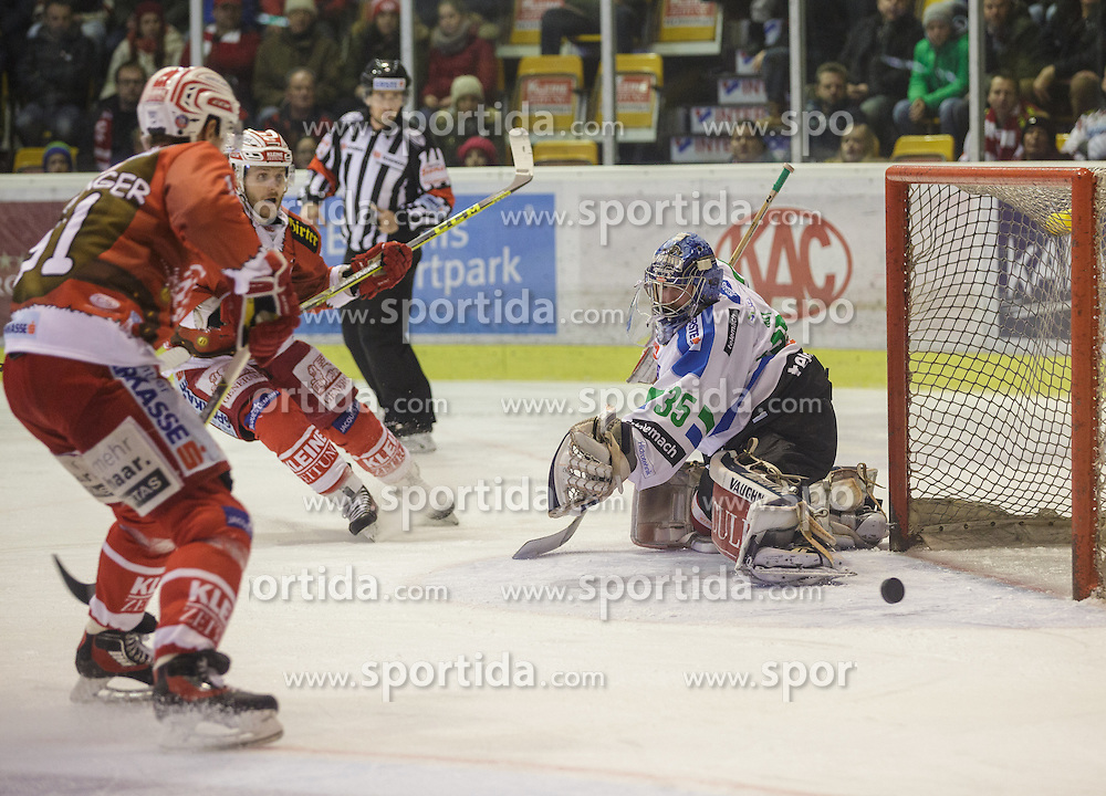 06.12.2015, Stadthalle, Klagenfurt, AUT, EBEL, EC KAC vs HDD TELEMACH Olimpija Ljubljana, 28. Runde, im Bild Manuel Geier (EC KAC, #21), Oliver Setzinger (EC KAC, #91), Oliver Roy (HDD TELEMACH Olimpija Ljubljana, #35) // during the Erste Bank Eishockey League 28th round match match betweeen EC KAC and HDD TELEMACH Olimpija Ljubljana at the City Hall in Klagenfurt, Austria on 2015/12/06. EXPA Pictures © 2015, PhotoCredit: EXPA/ Gert Steinthaler