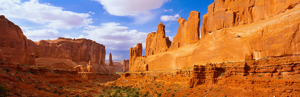 0301-1080 ~ Copyright:  George H. H. Huey ~ Park Avenue,  Arches National Park, Utah