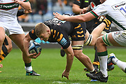 Wasps back row Jack Willis (7) breaks through the line during the Gallagher Premiership Rugby match between Wasps and London Irish at the Ricoh Arena, Coventry, England on 20 October 2019.