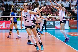 17-05-2016 JAP: OKT Thailand - Nederland, Tokio<br /> Nederland verslaat Thailand met klinkende cijfers 3-0 en is weer op koers voor Rio / Vreugde bij Maret Balkestein-Grothues #6