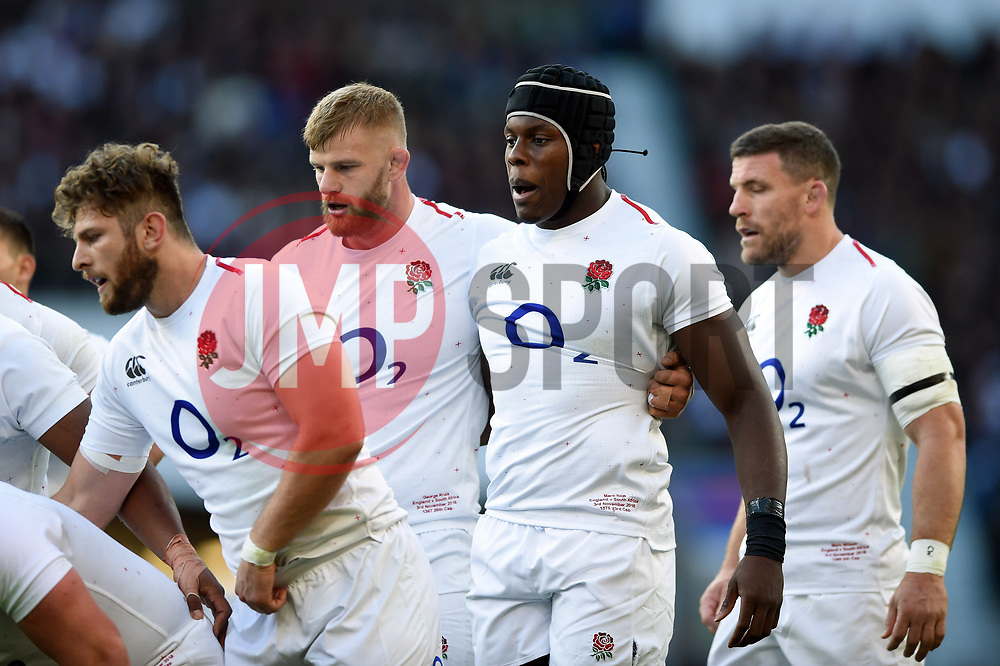 Maro Itoje of England looks on at a scrum - Mandatory byline: Patrick Khachfe/JMP - 07966 386802 - 03/11/2018 - RUGBY UNION - Twickenham Stadium - London, England - England v South Africa - Quilter International