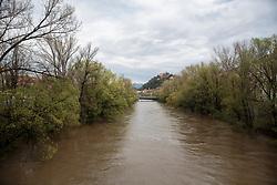 17.04.2018, Puntigam, Graz, AUT, Mur Hochwasser in Graz, im Bild die Hochwasser führende Mur und die überschwemmte Murpromenade am 17. April 2018, EXPA Pictures © 2018, PhotoCredit: EXPA/ Erwin Scheriau