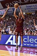 DESCRIZIONE : Venezia Lega A 2014-15 Umana Venezia-Grissin Bon Reggio Emilia  playoff Semifinale gara 5<br /> GIOCATORE :Dulkys Deividas<br /> CATEGORIA : Tiro Tre Punti <br /> SQUADRA : Umana Venezia<br /> EVENTO : LegaBasket Serie A Beko 2014/2015<br /> GARA : Umana Venezia-Grissin Bon Reggio Emilia playoff Semifinale gara 5<br /> DATA : 07/06/2015 <br /> SPORT : Pallacanestro <br /> AUTORE : Agenzia Ciamillo-Castoria /GiulioCiamillo<br /> Galleria : Lega Basket A 2014-2015 Fotonotizia : Reggio Emilia Lega A 2014-15 Umana Venezia-Grissin Bon Reggio Emilia playoff Semifinale gara 5<br /> Predefinita :