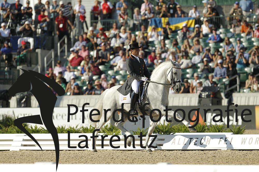 MUNOZ DIAS Juan Manuel, FuegoXII<br /> Kentucky - Alltech FEI WEG 2010<br /> /Stefan Lafrentz