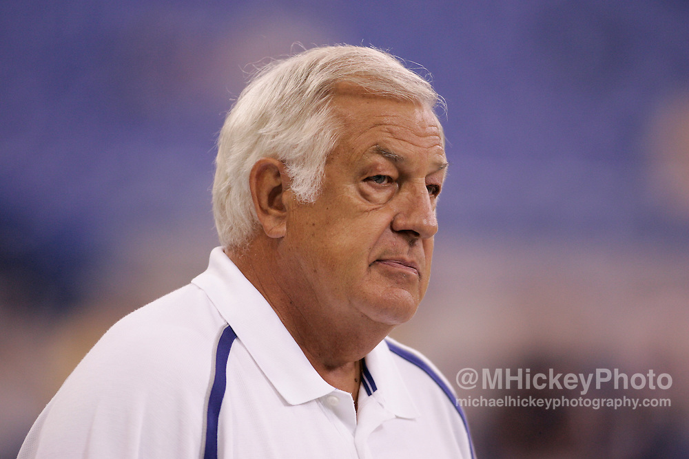 Indianapolis offensive coordinator Tom Moore watches warmups before NFL preseason action against Chicago in the RCA Dome in Indianapolis Aug 20, 2005.