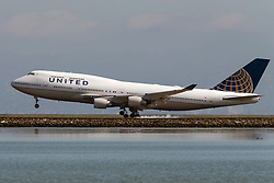 United Airlines Boeing 747-422 (N107UA) lands at San Francisco International Airport (SFO), Millbrae, California, United States of America