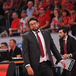 21.06.2015, Brose Arena, Bamberg, GER, Beko Basketball BL, Brose Baskets Bamberg vs FC Bayern Muenchen, Playoffs, Finale, 5. Spiel, im Bild Head Coach / Trainer Andrea Trinchieri (Brose Baskets Bamberg) aergert sich ueber einen missglueckten Spielzug seiner Mannschaft // during the Beko Basketball Bundes league Playoffs, final round, 5th match between Brose Baskets Bamberg and FC Bayern Muenchen at the Brose Arena in Bamberg, Germany on 2015/06/21. EXPA Pictures &copy; 2015, PhotoCredit: EXPA/ Eibner-Pressefoto/ Merz<br /> <br /> *****ATTENTION - OUT of GER*****