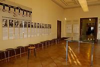 """15 JAN 2002, BERLIN/GERMANY:<br /> Konferenzraum der Wannsee-Konferenz, mit Schautafeln der Teilnehmer der Konferenz zur sog. """"Endloesung der Judenfrage"""", Gedenk- und Bildungsstaette Haus der Wannsee-Konferenz, Am Grossen Wannsee 56-58, 14109 Berlin<br /> IMAGE: 20020115-01-001<br /> KEYWORDS: Konferenzsaal, Saal"""