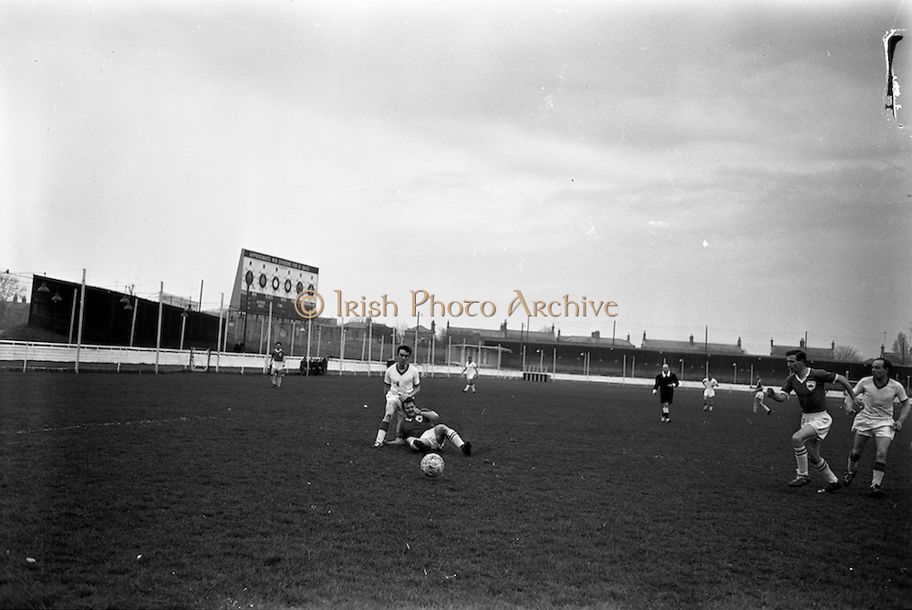 20/03/1963<br /> 03/20/1963<br /> 20 March 1963<br /> Soccer: Transport v Limerick, Cup tie replay at Harold's Cross, Dublin.