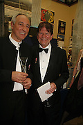 Chris Wilkinson and John Madjeski, Royal Academy Annual dinner. Royal Academy, Piccadilly. 6 June 2006. ONE TIME USE ONLY - DO NOT ARCHIVE  © Copyright Photograph by Dafydd Jones 66 Stockwell Park Rd. London SW9 0DA Tel 020 7733 0108 www.dafjones.com