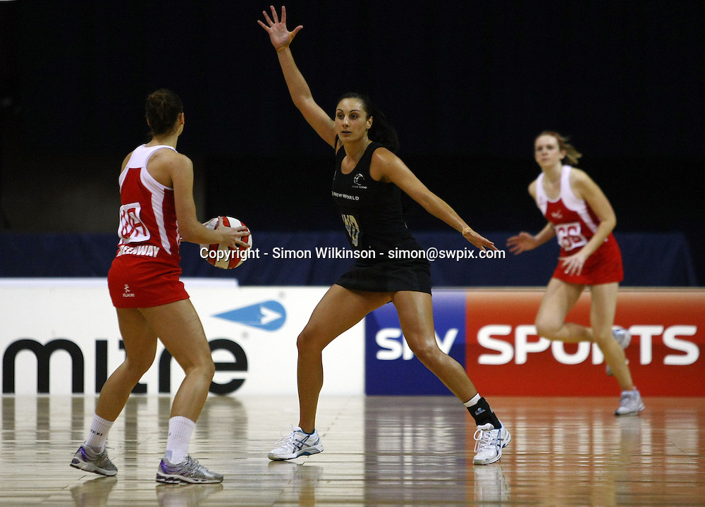 PICTURE BY VAUGHN RIDLEY/SWPIX.COM...Netball - International Netball Series - England v New Zealand - Capital FM Arena, Nottingham, England - 17/01/11...New Zealand's Joline Henry.
