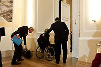 04 MAY 2010, BERLIN/GERMANY:<br /> Wolfgang Kirsch (L), Vorstandsvorsitzender DZ Bank AG, Wolfgang Schaeuble (M), CDU, Bundesfinanzminister, Josef Ackermann (R), Vorstandsvorsitzender Deutsche Bank AG, nach der  Pressekonferenz nach einem Gespraech von Vertretern deutscher Bankinstitute mit Schaeuble zu Stuetzung Griechenlands in der Finanzkrise<br /> IMAGE: 20100504-01-050<br /> KEYWORDS: Wolfgang Schäuble, Staatsbankrott