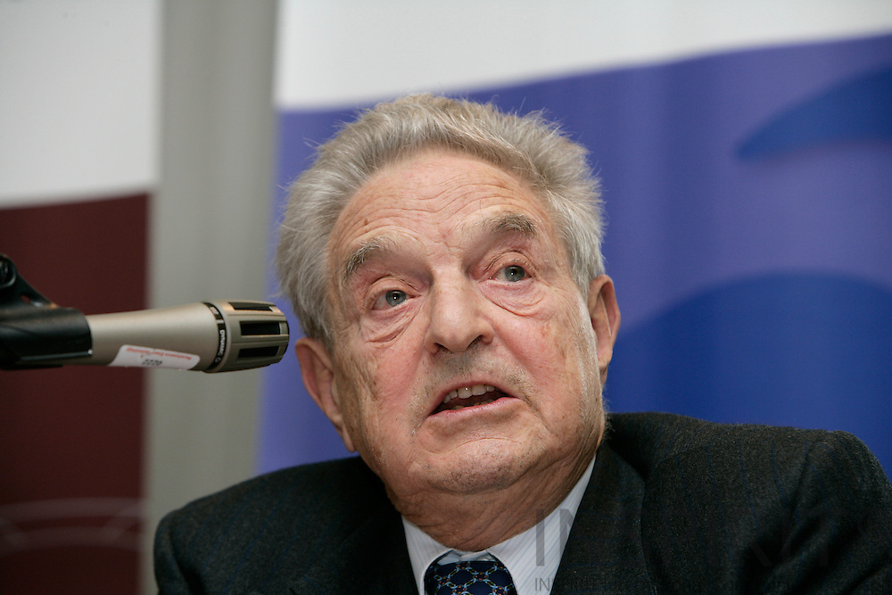 BRUSSELS - BELGIUM - 20 NOVEMBER 2006 -- George SOROS, author of The Age of Fallibility, at the EPC -OSI Policy Dialogue, Europe as a model for a global open society?   PHOTO: ERIK LUNTANG /