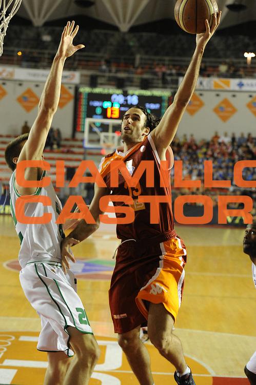 DESCRIZIONE : Roma Lega A 2011-12  Acea Virtus Roma Benetton Treviso<br /> GIOCATORE : Luigi Datome<br /> CATEGORIA : tiro<br /> SQUADRA : Acea Virtus Roma<br /> EVENTO : Campionato Lega A 2011-2012<br /> GARA : Acea Virtus Roma Benetton Treviso<br /> DATA : 01/04/2012<br /> SPORT : Pallacanestro<br /> AUTORE : Agenzia Ciamillo-Castoria/GiulioCiamillo<br /> Galleria : Lega Basket A 2011-2012<br /> Fotonotizia : Caserta Lega A 2011-12 Acea Virtus Roma Benetton Treviso<br /> Predefinita :