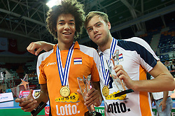 01-07-2012 VOLLEYBAL: EUROPEAN LEAGUE PRIJSUITREIKING: ANKARA<br /> Nederland wint de European League 2012 / Nimir Abdelaziz (#1 NED) und Gijs Jorna (#7 NED)<br /> ©2012-FotoHoogendoorn.nl/Conny Kurth