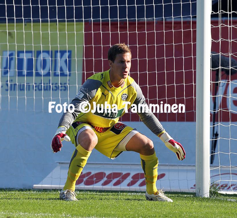23.06.2010, Kupittaa, Turku..Veikkausliiga 2010, FC TPS Turku - FF Jaro..Henrik Moisander - TPS.©Juha Tamminen.