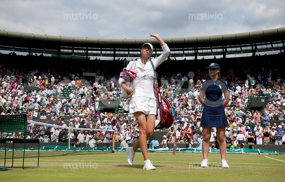 Maria Sharapova (RUS) plays against Ioana Raluca Olaru (ROU) on Court 1. The Wimbledon Championships 2010 The All England Lawn Tennis & Croquet Club  Day 4 Thursday 24/06/2010