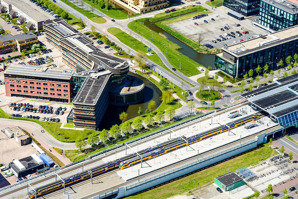 Nederland, Flevoland, Lelystad, 08-09-2009. Centrum Lelystad, NS station en Provinciehuis.<br /> Lelystad city centre with railway station.<br /> luchtfoto (toeslag op standard tarieven);<br /> aerial photo (additional fee required);<br /> copyright foto/photo Siebe Swart