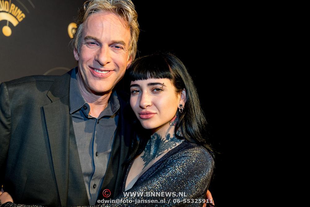 NLD/Hilversum/20180125 - Gouden RadioRing Gala 2017, Adam Curry en dochter Christina Curry