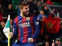ELCHE, SPAIN - JANUARY 24:  Gerard Pique of Barcelona celebrates after scoring during the La Liga match between Elche FC and FC Barcelona at Estadio Manuel Martinez Valero on January 24, 2015 in Elche, Spain.  (Photo by Manuel Queimadelos Alonso/Getty Images)