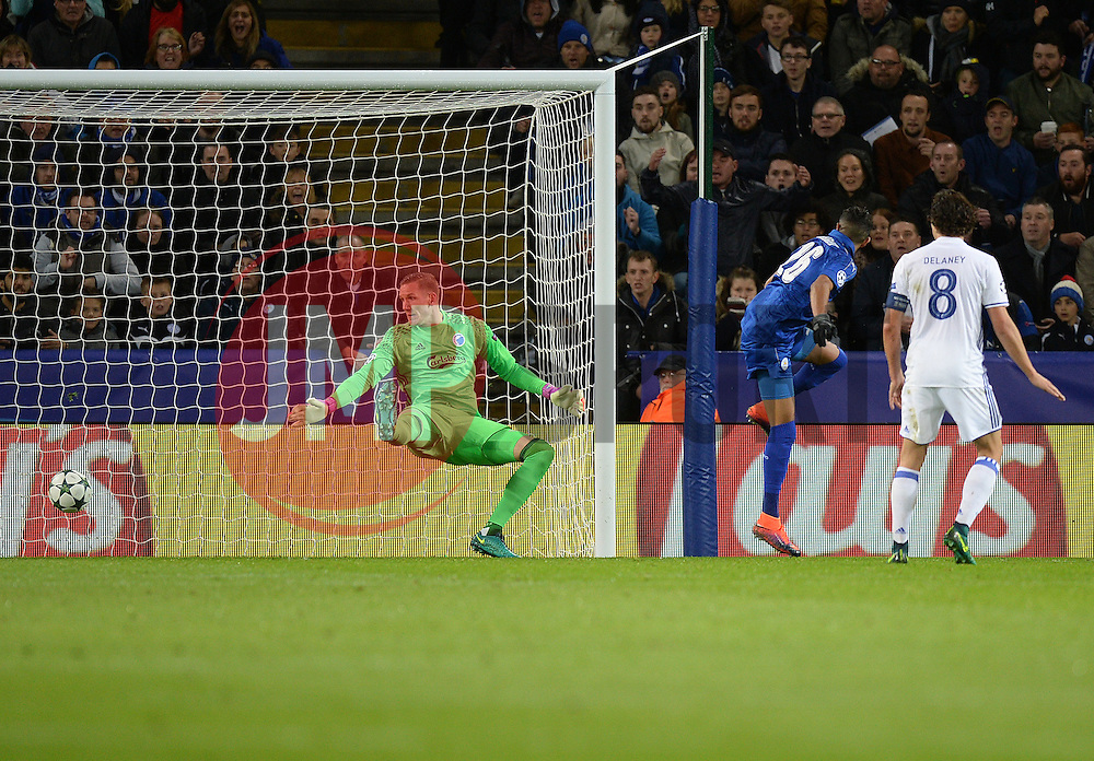 Riyad Mahrez of Leicester City scores. - Mandatory by-line: Alex James/JMP - 18/10/2016 - FOOTBALL - King Power Stadium - Leicester, England - Leicester City v FC Copenhagen - UEFA Champions League