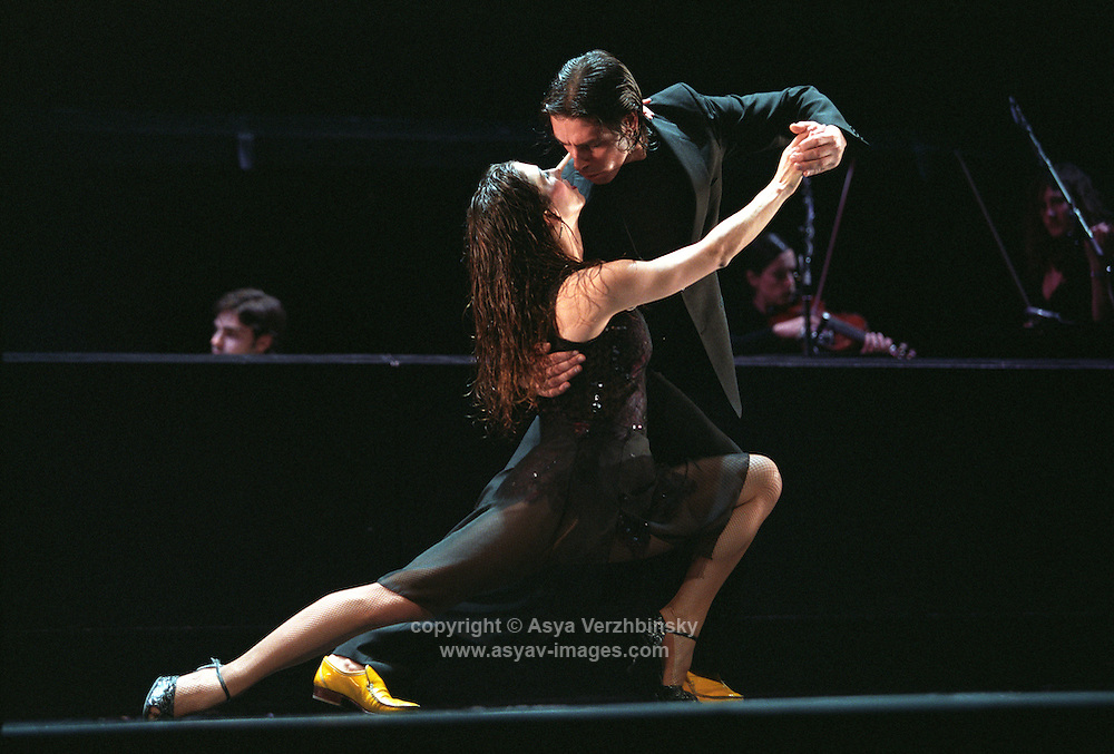 Tango Por Dos in their London premiere of Una Leyenda.