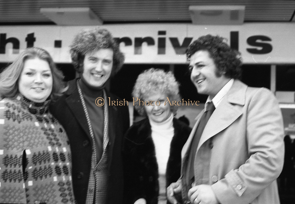 Wexford Opera Festival.       (H40).1974..06.10.1974..10.06.1974..6th October 1974..Today saw the arrival of some of the international artistes who will appear at the Guinness sponsored Wexford Opera festival. opera stars rom all over the world will arrive to perform at the festival. This year the festival will be opened by T.V., and singing star,Mr Val Doonican. The opening will include Illuminations,band parades and a firework display. Mr Thomson Smillie of Scottish Opera will be artistic director this year replacing Mr Brian Dickie..Pictured arriving at Dublin Airport were, Ms Joan Davies, London, Mr Anthony Ransome, London, Ms Helen McArthur, Glasgow,and Mr Kevork Boyaciyan, Turkey.