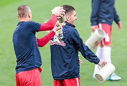 15.05.2016, Red Bull Arena, Salzburg, AUT, 1. FBL, FC Red Bull Salzburg, Meisterfeier, im Bild Bierdusche Alexander Walke (Red Bull Salzburg), Jonatan Soriano Casas (Red Bull Salzburg) // Beer shower Alexander Walke (Red Bull Salzburg), Jonatan Soriano Casas (Red Bull Salzburg) during the FC Red Bull Salzburg Champions Party of Austrian Football Bundesliga at the Red Bull Arena, Salzburg, Austria on 2016/05/15. EXPA Pictures © 2016, PhotoCredit: EXPA/ JFK