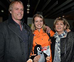 08-03-2015 CZE: European Athletics Indoor Championships, Prague<br /> Een trotse vader Ernst Schippers en moerder Karen van der Lught met dochter Dafne die het goud pakte op de 60 meter