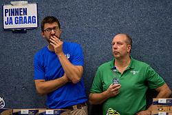 28-08-2016 NED: Nederland - Slowakije, Nieuwegein<br /> Het Nederlands team heeft de oefencampagne tegen Slowakije met een derde overwinning op rij afgesloten. In een uitverkocht Sportcomplex Merwestein won Nederland met 3-0 van Slowakije / Pinnen graag, Mark Meulemans