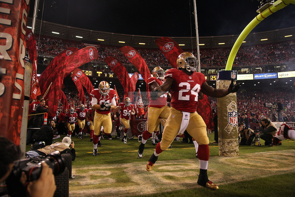 San Francisco 49ers running back Anthony Dixon (24) enters the field against the Chicago Bears, during an NFL game on Monday Nov. 19, 2012 in San Francisco, CA.  (photo by Jed Jacobsohn)