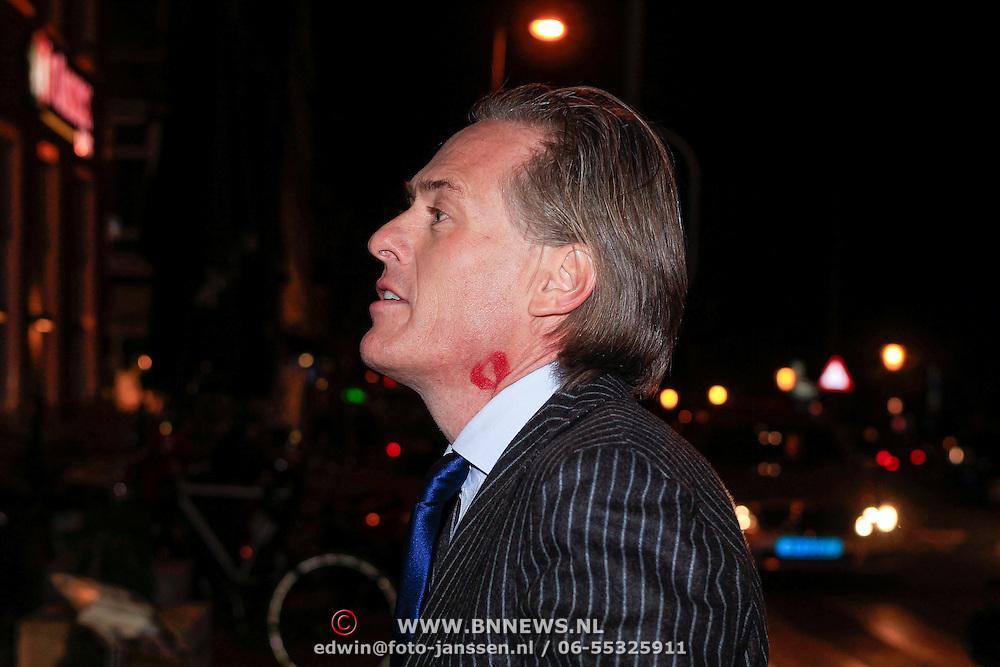 NLD/Amsterdam/20130314 - 1 jarig bestaan magazine Voque Nederland , Jort met Rode Kus lip afdruk in zijn nek
