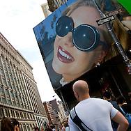 New York. Soho street life, Houston street, advertising board New York - United States  /  Soho scenes de rues,Houston street,  affiches publicitaires   New York - Etats unis