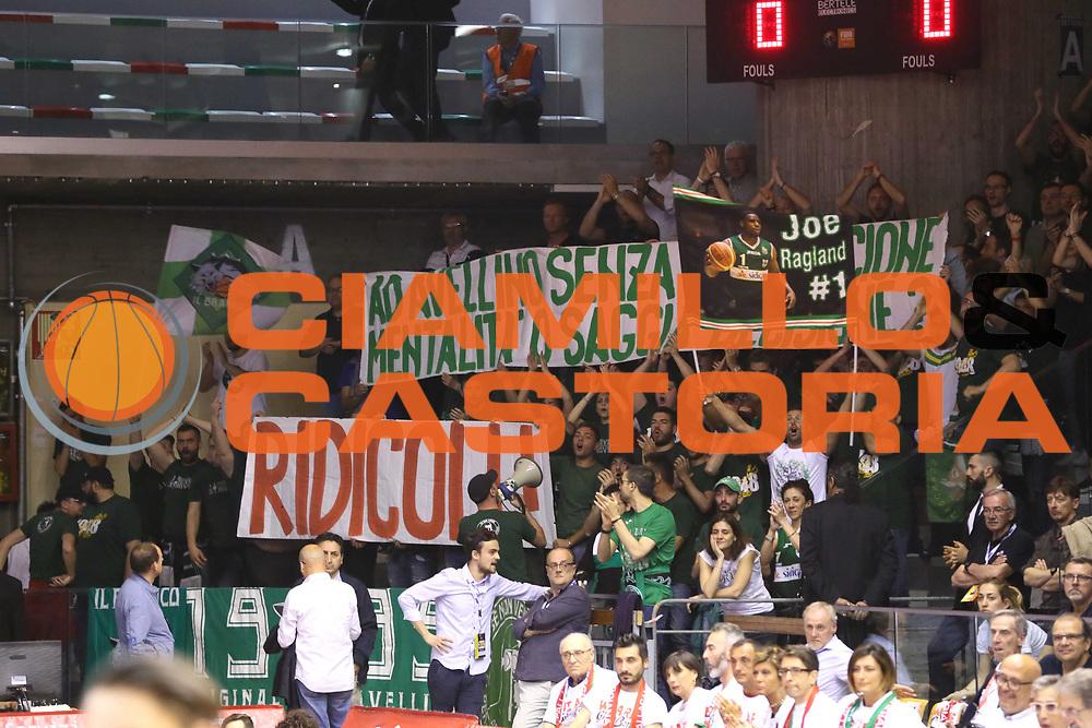 tifosi avellino<br /> Grissin Bon Reggio Emilia - Sidigas Avellino<br /> Playoff gara 3<br /> Legabasket A 2016/2017<br /> Reggio Emilia 17/05/2017<br /> Foto Ciamillo-Castoria