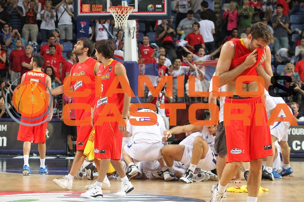 DESCRIZIONE : Istanbul Turchia Turkey Men World Championship 2010 Quarter Finals Campionati Mondiali Quarti di Finale Serbia Spain<br /> GIOCATORE : Rudy Fernandez Ricky Rubio<br /> SQUADRA : Spain Spagna<br /> EVENTO : Istanbul Turchia Turkey Men World Championship 2010 Campionato Mondiale 2010<br /> GARA : Serbia Spain Serbia Spagna<br /> DATA : 08/09/2010<br /> CATEGORIA : delusione<br /> SPORT : Pallacanestro <br /> AUTORE : Agenzia Ciamillo-Castoria/A.Vlachos<br /> Galleria : Turkey World Championship 2010<br /> Fotonotizia : Istanbul Turchia Turkey Men World Championship 2010 Quarter Finals Campionati Mondiali Quarti di Finale Serbia Spain<br /> Predefinita :