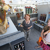 "Helen Fielder, center, of Marietta won this year's ""Best in Show"" at the annual Gumtree festival in Tupelo on Sunday."