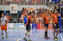 28-08-2016 NED: Nederland - Slowakije, Nieuwegein<br /> Het Nederlands team heeft de oefencampagne tegen Slowakije met een derde overwinning op rij afgesloten. In een uitverkocht Sportcomplex Merwestein won Nederland met 3-0 van Slowakije / Robbert Andringa #18, Sjoerd Hoogendoorn #21, Dirk Sparidans #5, Thomas Koelewijn #15