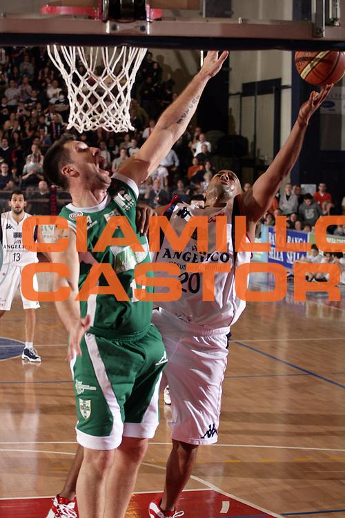 DESCRIZIONE : Biella Lega A1 2008-09 Angelico Biella Air Avellino<br /> GIOCATORE : Joe Smith<br /> SQUADRA : Angelico Biella<br /> EVENTO : Campionato Lega A1 2008-2009<br /> GARA : Angelico Biella Air Avellino<br /> DATA : 15/02/2009<br /> CATEGORIA : Tiro<br /> SPORT : Pallacanestro<br /> AUTORE : Agenzia Ciamillo-Castoria/S.Ceretti