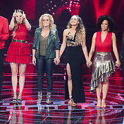 NLD/Hilversum/20180209 - 3e Liveshows The voice of Holland 2018, Jim van der Zee, Demi van Wijngaarden, Samantha Steenwijk, Kimberly Maasdamse, Tjindjara Metschendorp en Nienke Wijnhoven