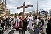 25 mars 2016: Chemin de croix dans les rues d'Argenteuil. Argenteuil, 95. France.